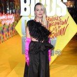 Margot Robbie con un look estrafalario en la Premiere de la película 'Birds of prey' en Londres