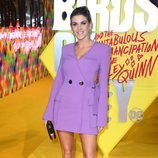 Ashley James con un vestido estilo blazer lila en la Premiere de la película 'Birds of prey' en Londres