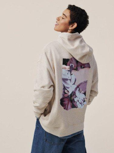 Sudadera de la colección cápsula 'Helena Christensen x H&M'