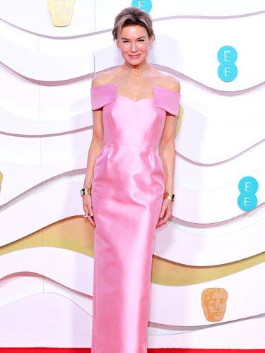 Renée Zellweger de rosa en la alfombra roja de los Premios BAFTA 2020