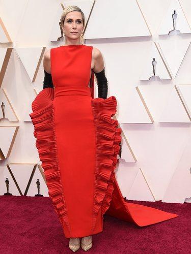 Kristen Wiig con un Valentino Alta Costura primavera/verano 2020 en los Oscar 2020