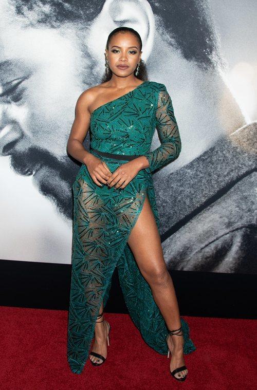 Chante Adams con un irresistible vestido verde