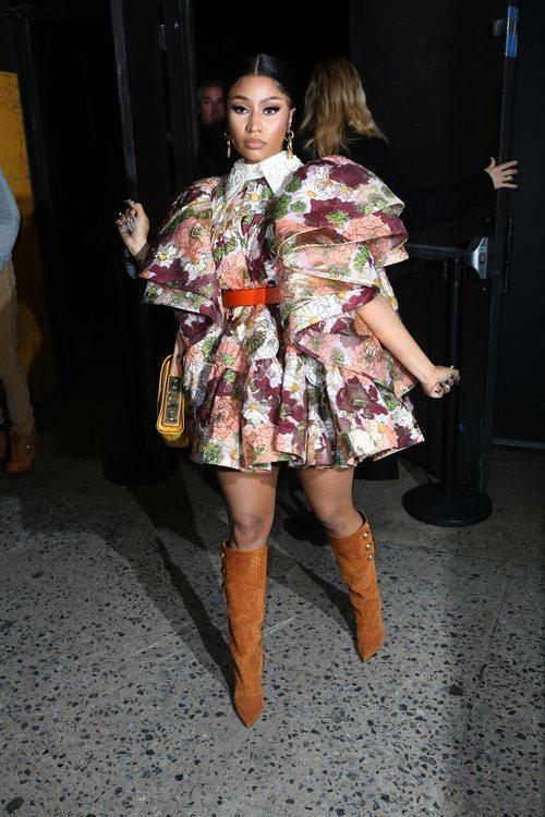 Nicki Minaj con un atuendo de lo más extravagante en el desfile de Marc Jacobs 2020