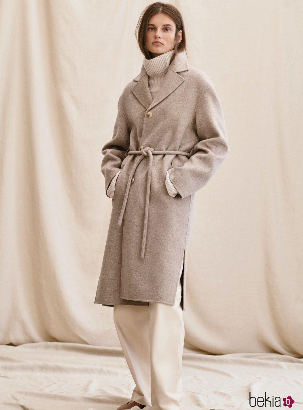 Abrigo cruzado de la colección 'Premium Quality' de H&M