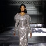 Vestido metalizado otoño/ invierno 2020 de Burberry