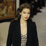 Vestido joya y abrigo negro otoño/ invierno 2020-2021 Lanvin
