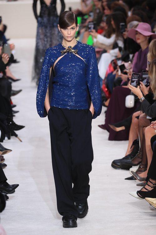 Blusa de lentejuelas y broche otoño/ invierno 2020-2021 de Valentino