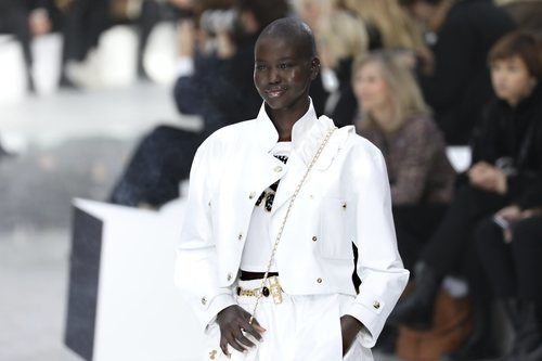 Conjunto en blanco impoluto otoño/ invierno 2020-2021 Chanel