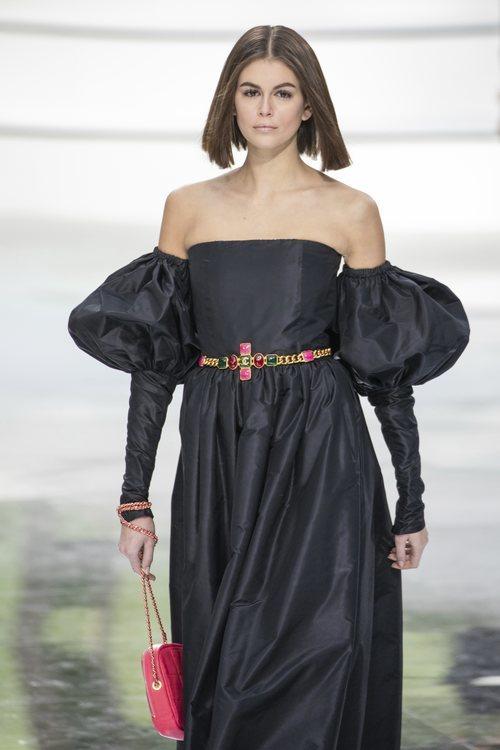 Vestido de satén negro otoño/ invierno 2020-2021 Chanel