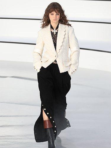 Chaqueta ajustada y falda otoño/ invierno 2020-2021 Chanel