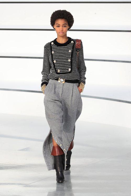 Falda combinada con jersey bicolor otoño/ invierno 2020-2021 Chanel