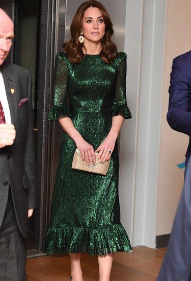 Kate Middleton con un vestido iridiscente de gasa de seda Falconetti en Irlanda