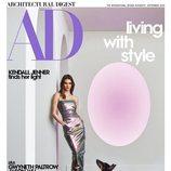 Kendall Jenner con un vestido metalizado de RICK OWENS en la portada de la revista Architectural Digest