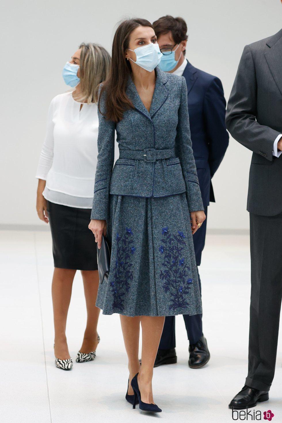 La Reina Letizia con un Felipe Varela antiguo en un acto oficial en Toledo