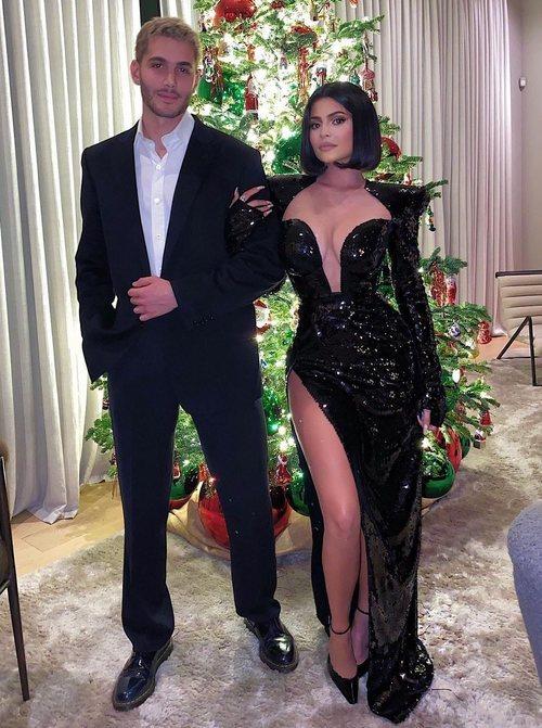 Kylie Jenner con un vestido negro de paillettes de Bailmain en el cumpleaños de Diddy