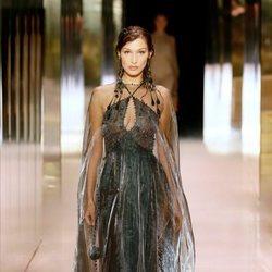 Look 3 (Bella Hadid) de la colección Alta Costura primavera/verano 2021 de Fendi