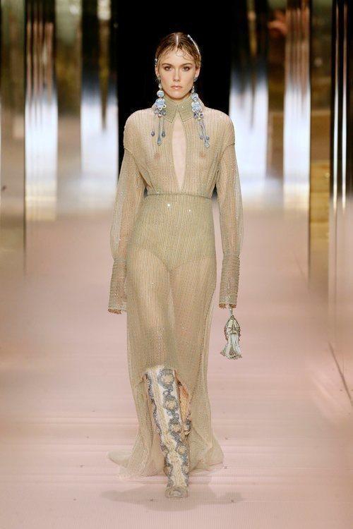 Look 9 de la colección Alta Costura primavera/verano 2021 de Fendi