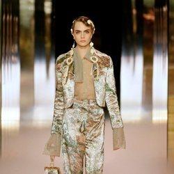 Look 10 (Cara Delevingne) de la colección Alta Costura primavera/verano 2021 de Fendi