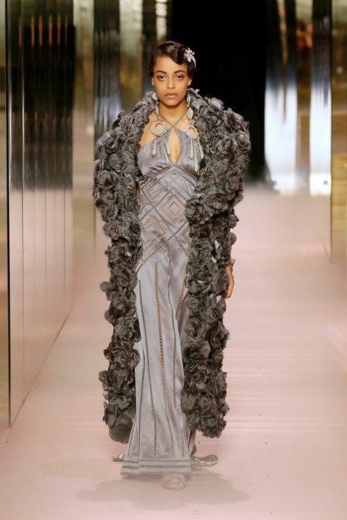 Look 13 de la colección Alta Costura primavera/verano 2021 de Fendi