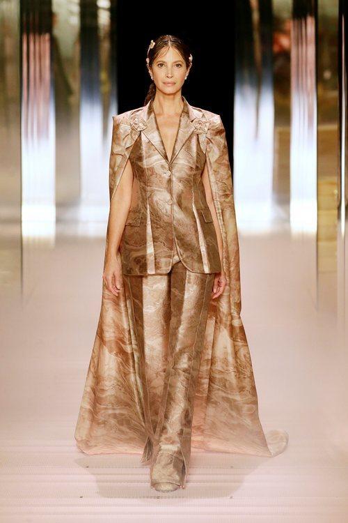 Look 15 ( Christy Turlington) de la colección Alta Costura primavera/verano 2021 de Fendi