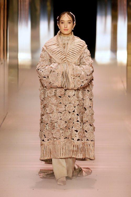Look 16 de la colección Alta Costura primavera/verano 2021 de Fendi