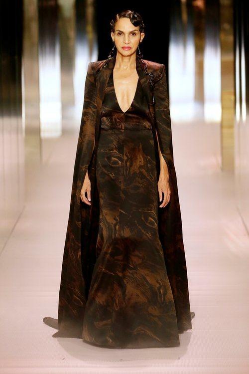Look 18 de la colección Alta Costura primavera/verano 2021 de Fendi