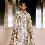 Look 19 (Naomi Campbell) de la colección Alta Costura primavera/verano 2021 de Fendi