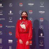 Macarena Gómez con un vestido de Teresa Helbig en la alfombra roja de los Premios Feroz 2021