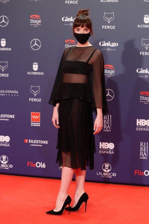 Susana Abaitua con un dos piezas de Chanel en la alfombra roja de los Premios Feroz 2021
