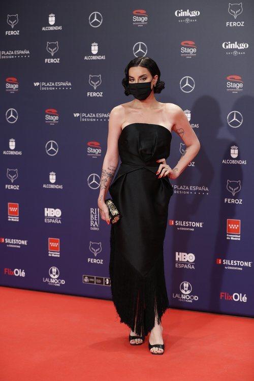 Jedet con un vestido de Candelas y Felipa en la alfombra roja de los Premios Feroz 2021