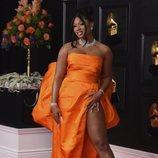 Megan Thee Stallion de Dolce & Gabbana en los Grammy 2021