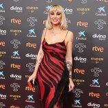 Daniela Santiago con vestido animal print rojo de Roberto Cavalli en los Goya 2021