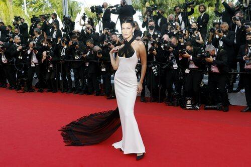 Bella Hadid vestida de Jean Paul Gaultier en el Festival de Cannes 2021