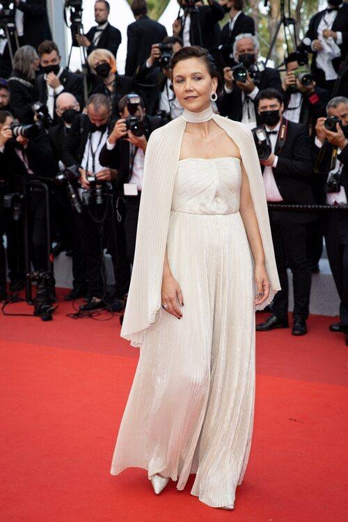 Maggie Gyllenhaal vestida de Celine en el Festival de Cannes 2021