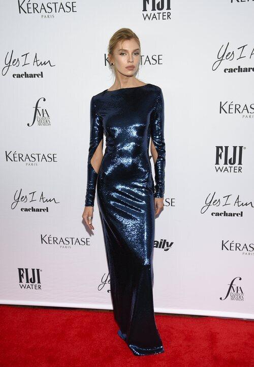 Stella Maxwell en los Premios Daily Front Row 2021 durante la Semana de la Moda de Nueva York primera/verano 2022