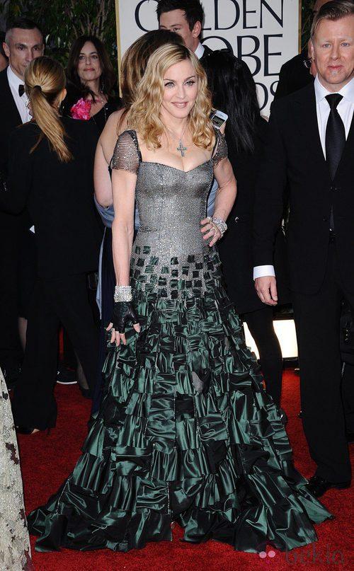 Madonna con un vestido de Reem Acra en la alfombra roja de los Globos de Oro 2012