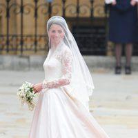 El vestido de novia de Kate Middleton firmado por Sarah Burton para Alexander McQueen