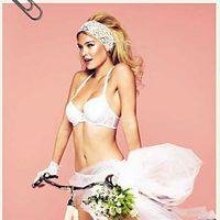 Bar Refaeli posa muy sexy con la colección primavera/verano 2012 de Passionata