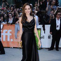 Angelina Jolie con vestido de Vivienne Westwood en el Festival de Toronto 2011
