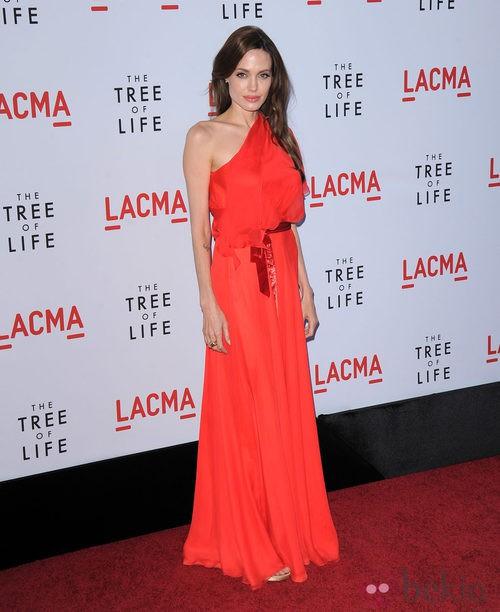 Angelina Jolie con vestido de Jenny Packham en la presentación de 'El árbol de la vida' en Los Ángeles