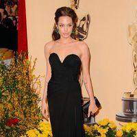 Angelina Jolie con vestido de Elie Saab en los Oscar 2009