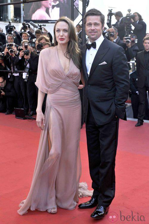 Angelina Jolie con diseño nude de Versace en la premiere de 'Malditos Bastardos' en el Festival de Cannes 2009