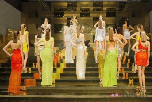 Carrusel final del desfile de Alta Costura de Versace