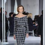 Diseño lápiz negro con cuadros blancos de Christian Dior Alta Costura