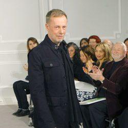 Bill Gaytten diseñador de la colección Alta Costura Primavera/Verano 2012 de Christian Dior