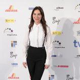 Beatriz Montáñez con look garçon en blanco y negro