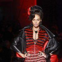 Diseño en rojo y negro de Jean Paul Gaultier Alta Costura