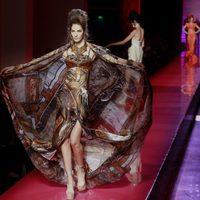 Vestido vaporoso con print de pañuelo de Jean Paul Gaultier Alta Costura