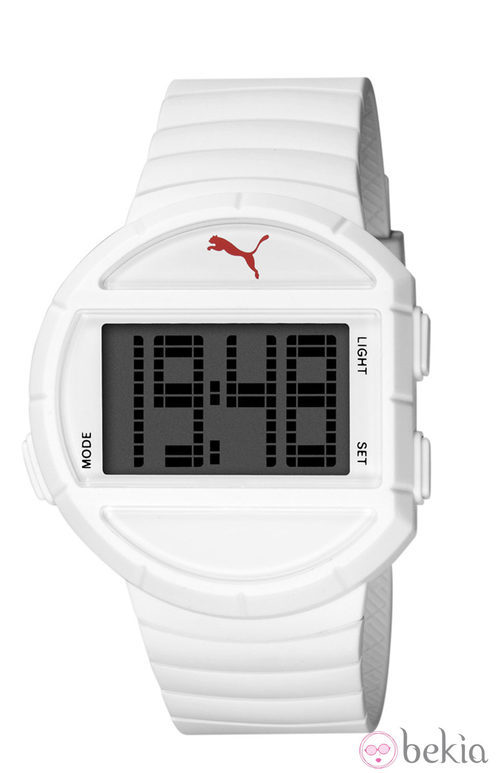 Reloj deportivo 'Half Time' de la firma Puma en color blanco
