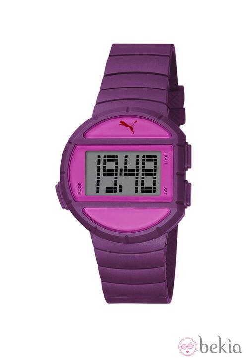 Reloj deportivo 'Half Time' de la firma Puma en color morado y fucsia